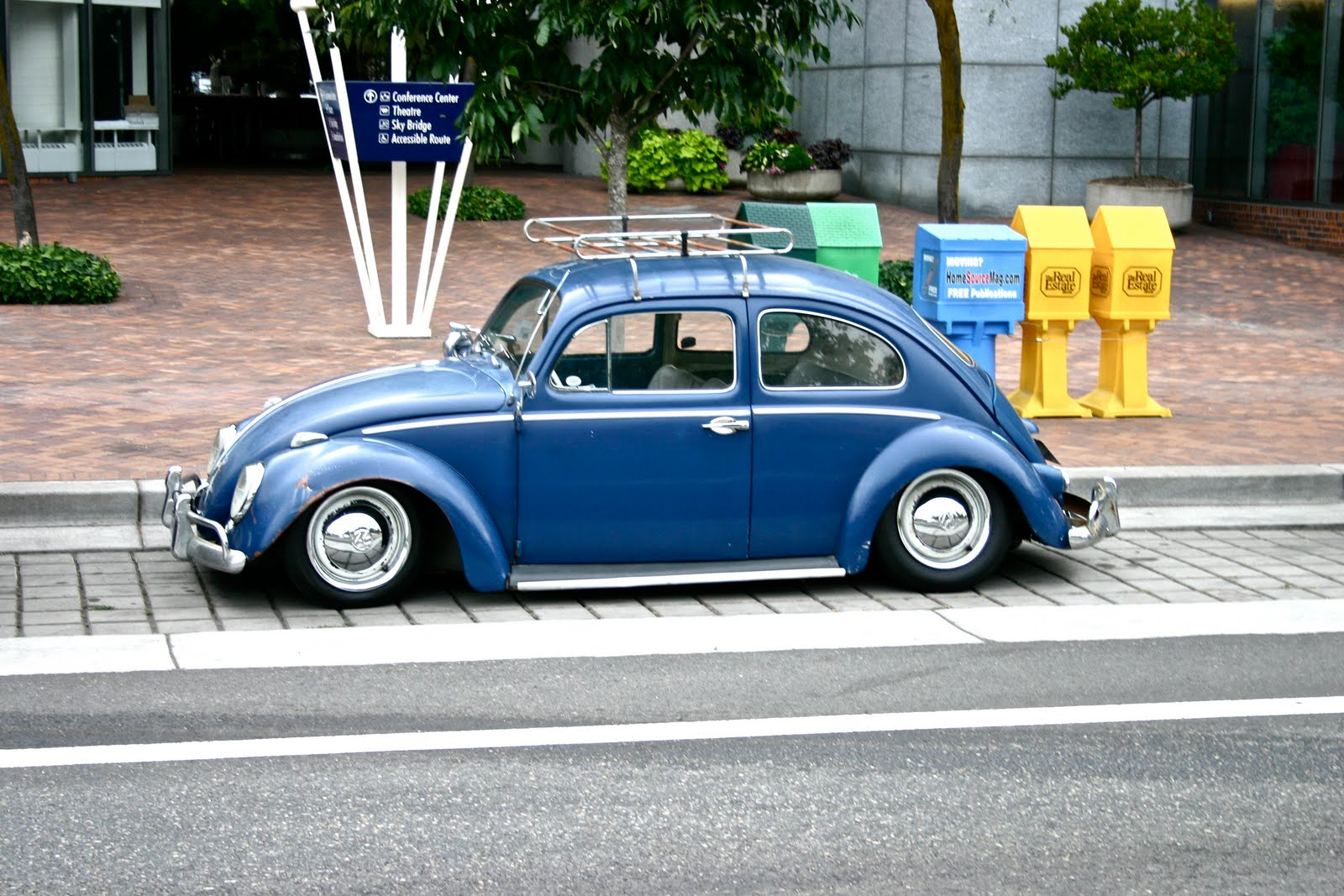 whips  decor     slammed vw bug