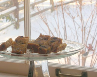 Good fruitcake: No feeding it to the birds!