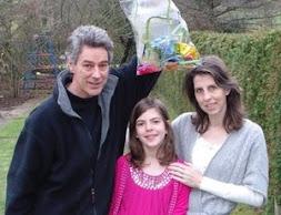 O casal Richard e Rachelle Strauss e a filha Verona, de 9 anos, reciclam praticamente tudo.