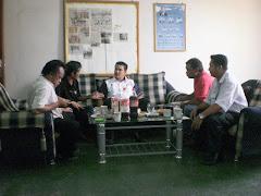 Di Pejabat UPKR N49 Tungku