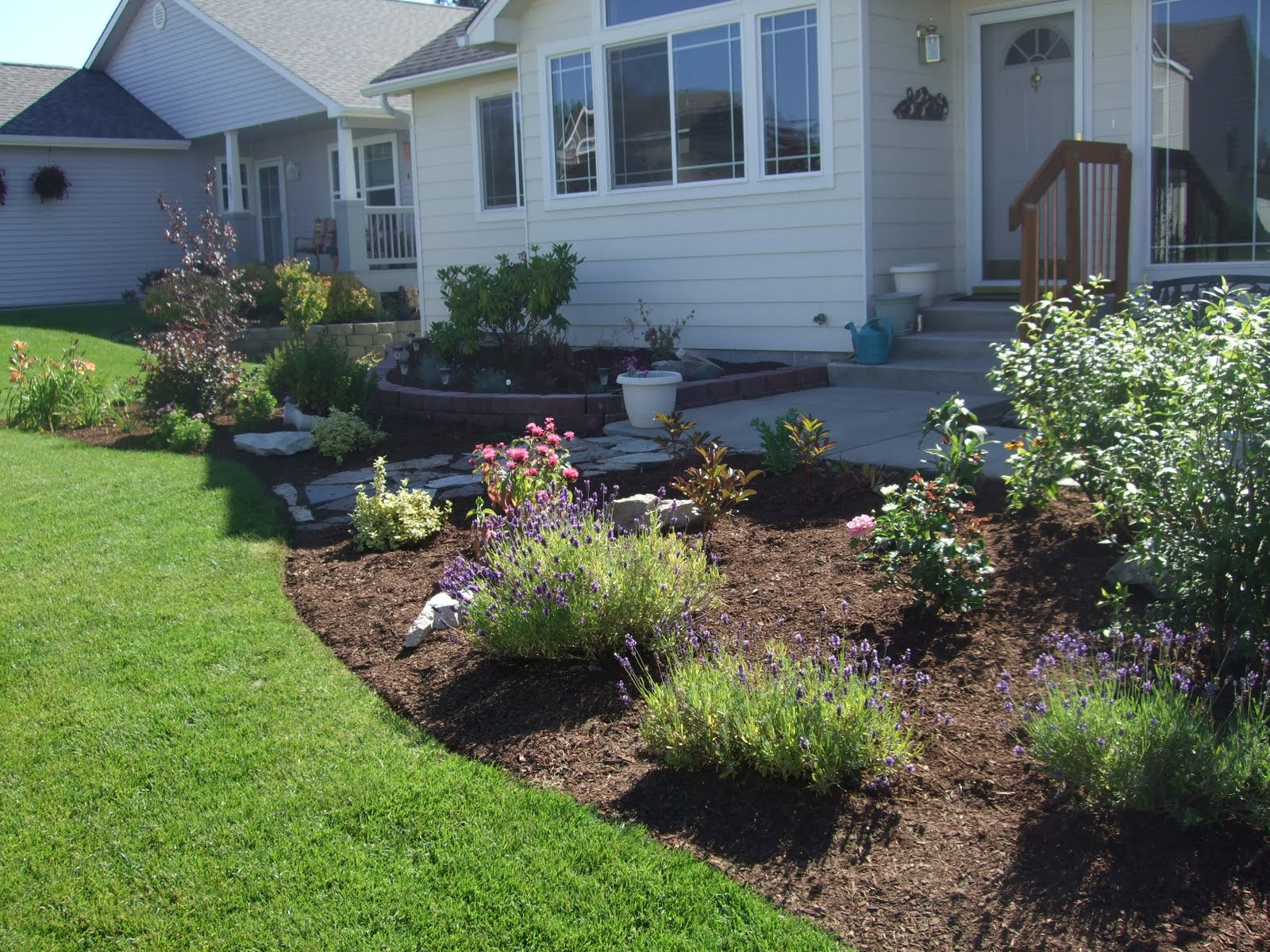 The folks at home front yard landscaping for Front lawn landscaping