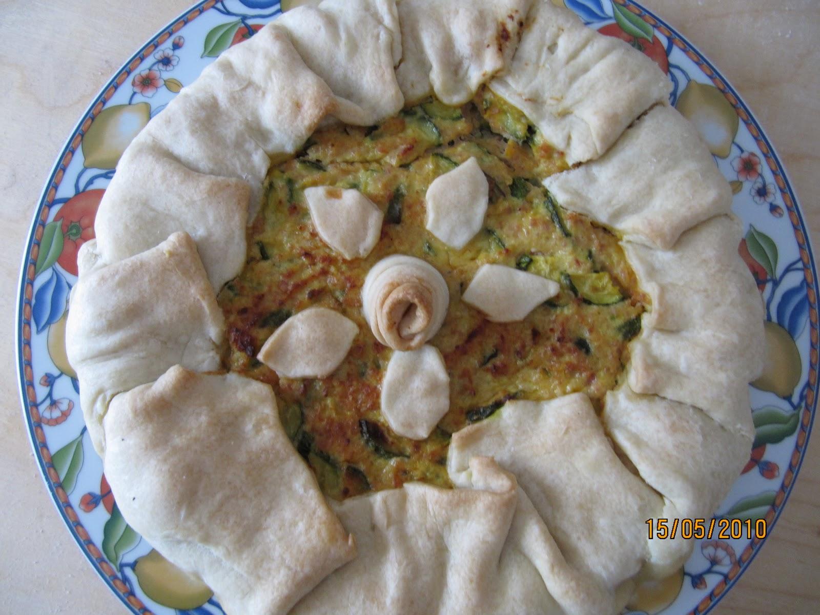 Decorazioni Torte Salate : Unarbanella di basilico: una torta salata con ricotta prosciutto e
