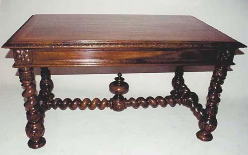 le style provincial le style louis xiii. Black Bedroom Furniture Sets. Home Design Ideas