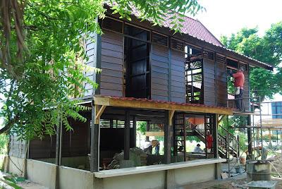 kotastar building a 39 rumah kayu 39 home