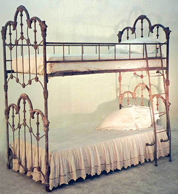 White Iron Beds Queen Size