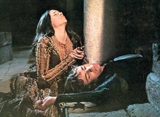 romeo and juliet passion vs reason Below you will find five outstanding thesis statements for romeo and juliet by  william shakespeare that can be used as essay starters or paper topics all five.