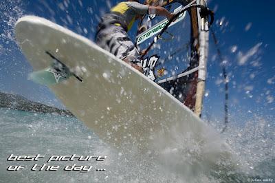 photo du jour windsurf en corse freestyle