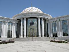Ashqabadin yliopisto Turkmenistanissa