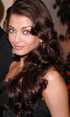Aishwarya Rai Latest Romance Hairstyles, Long Hairstyle 2013, Hairstyle 2013, New Long Hairstyle 2013, Celebrity Long Romance Hairstyles 2384