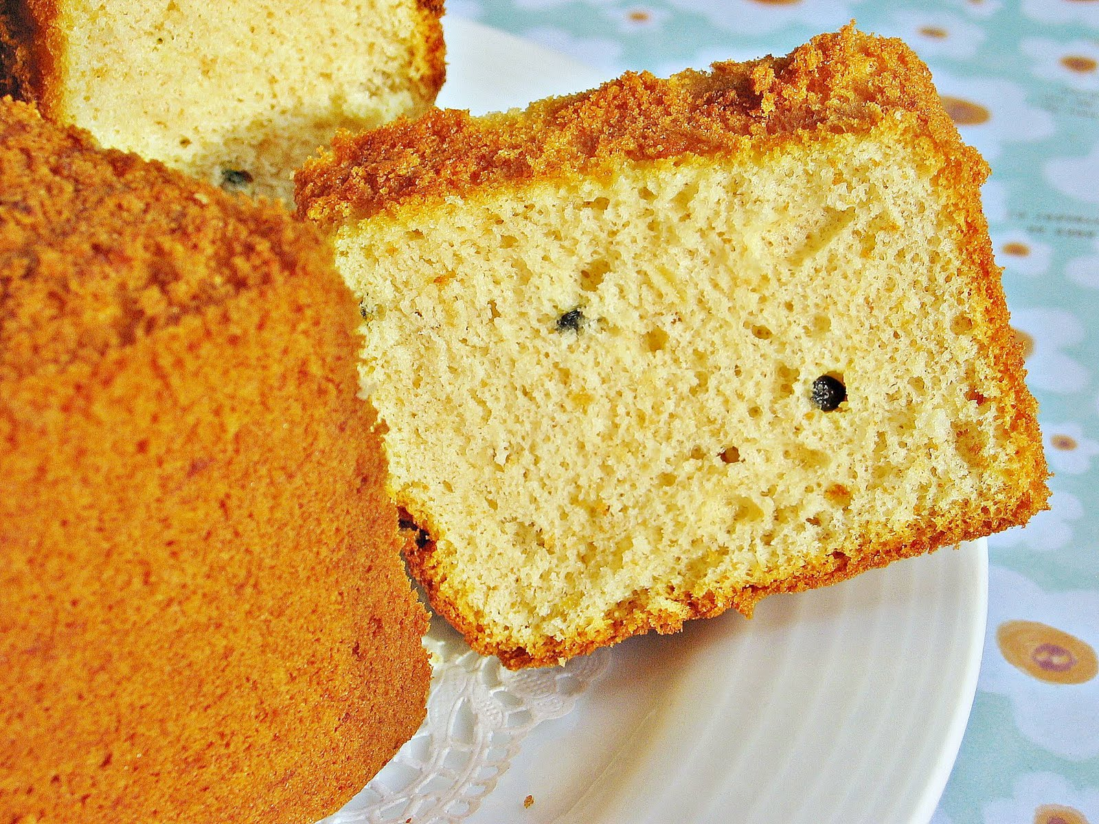 I Was Lucky That The Cake Was Nicely Baked Thoughere Wasn't Any Huge Holes