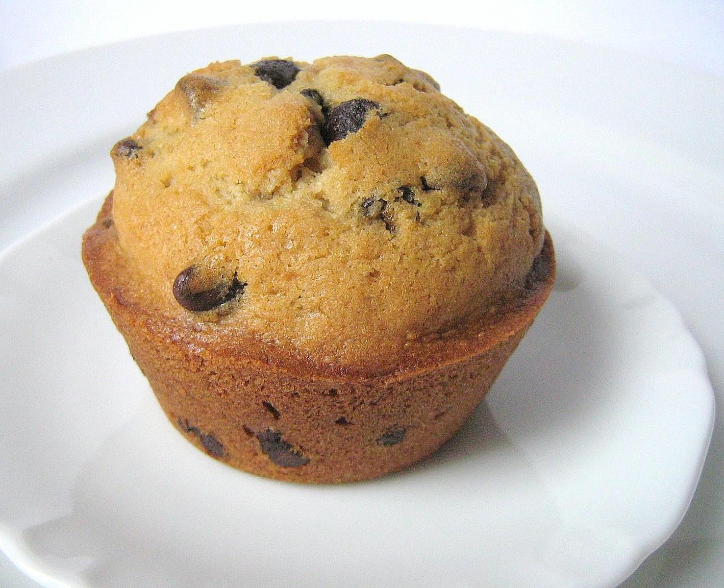 une gamine dans la cuisine: Orange and Chocolate Chip Muffins