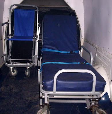 Camillas tijera y sillas plegables para ambulancia for Sillas de ruedas usadas