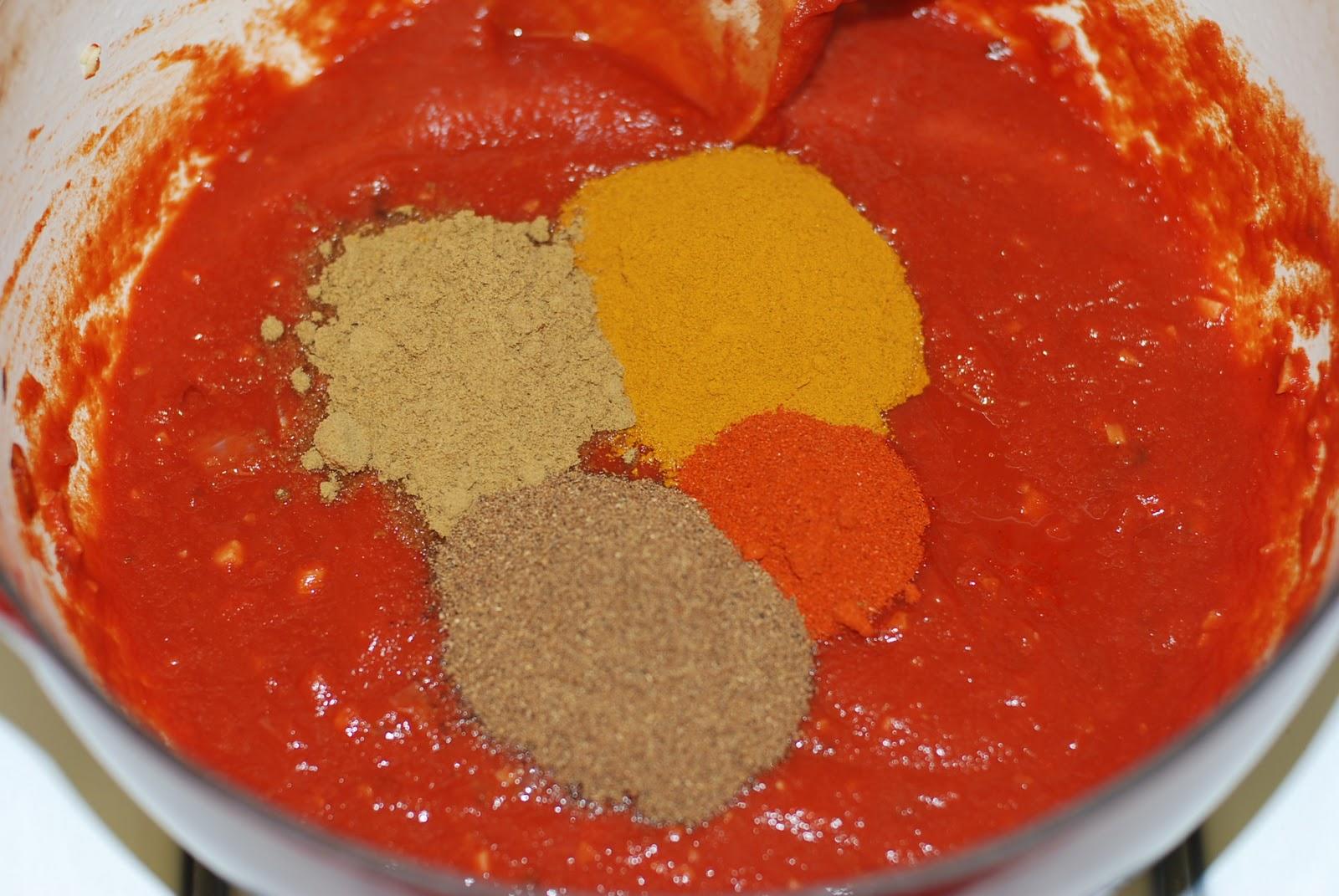 chicken tika masala speech robin Le poulet tikka masala (en hindi : चिकन टिक्का मसाला en anglais : chicken tikka masala) est un plat composé de morceaux de poulets cuits (poulet tikka) cuisinés dans une sauce de différents épices (n'incluant pas le curry.