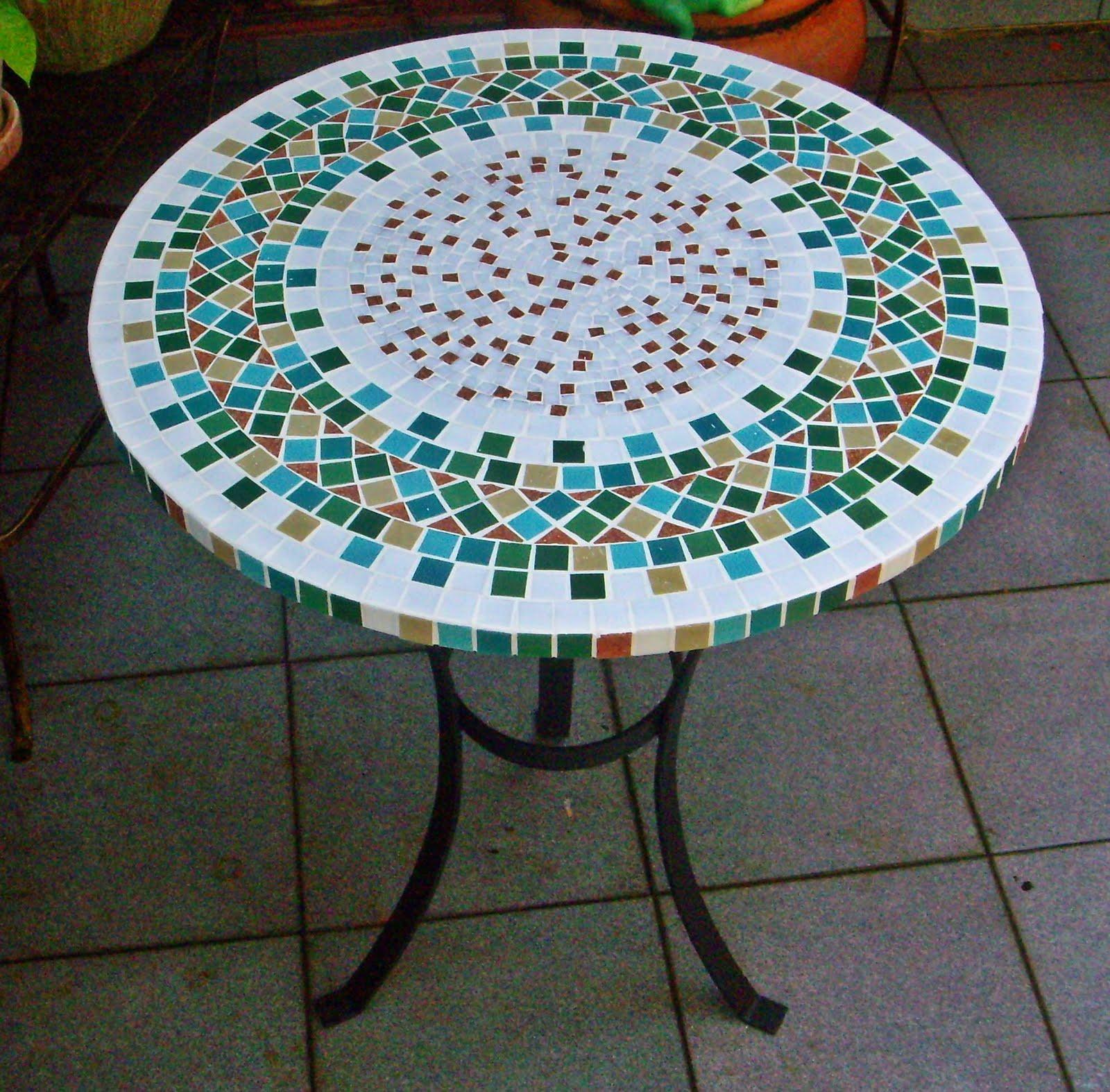 mesas em mosaico al m da rua atelier