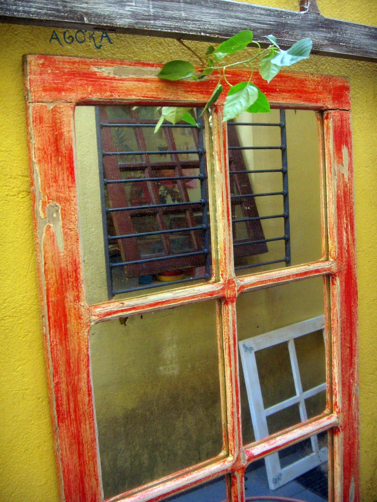 Estas são algumas janelas de demolição que pintei. A D O R O O O!!! #B0341B 1200x1600