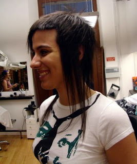 http://emo-simply-hairstyle.blogspot.com/