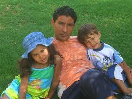 صور محمد بركات مع زوجته واولاده 2011