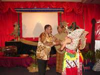 pagelaran wayang kulit indonesia di yangon april 2007