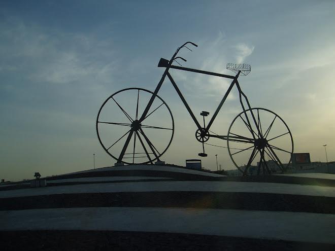 sepeda raksasa di jeddah, 1990