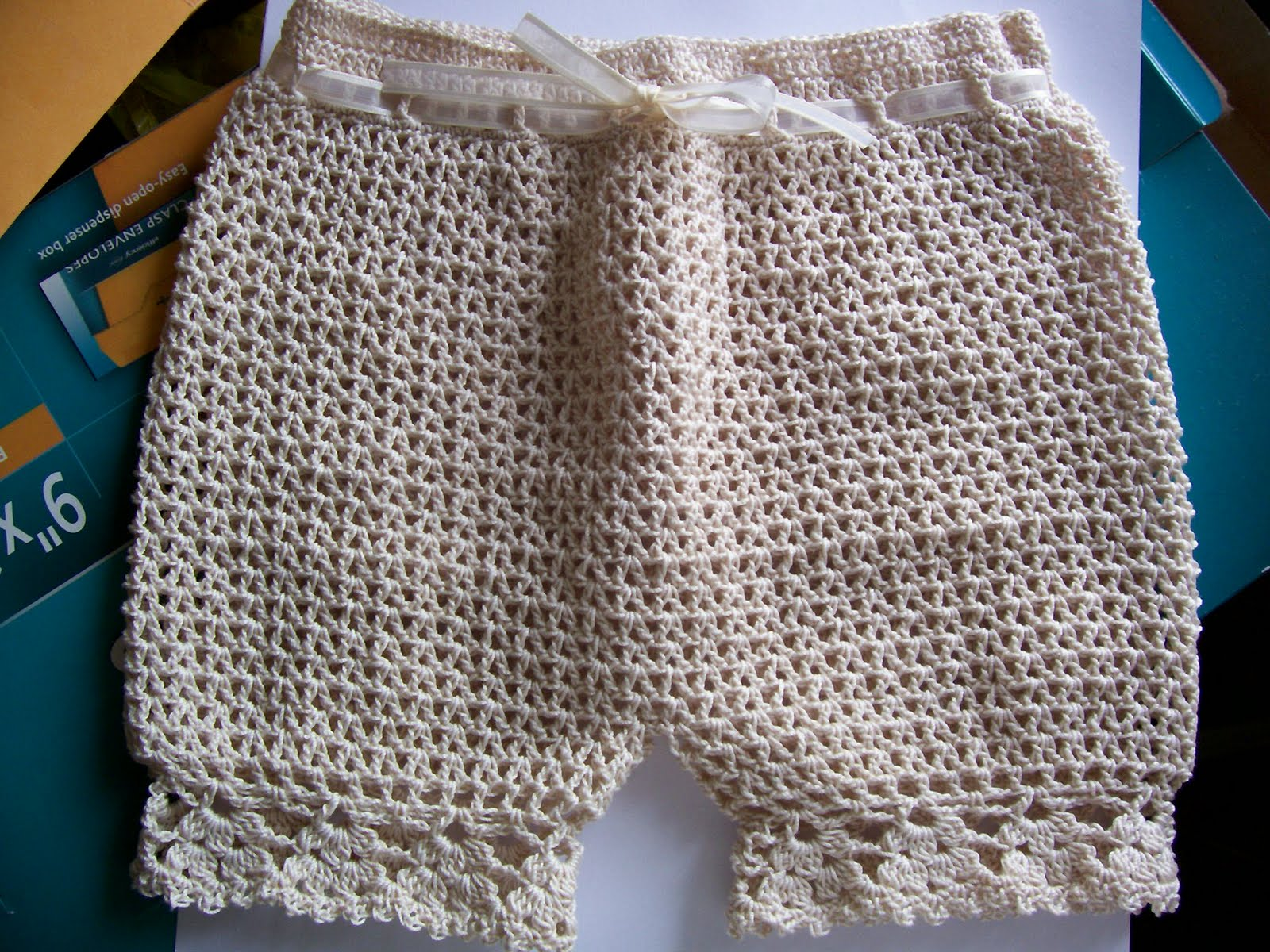 Crocheting Underwear : Crochet Apostle: Crochet Baby Bloomers/Panties