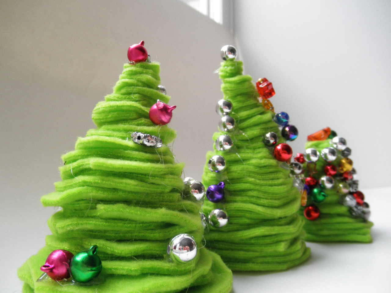 Dr. Seuss Christmas Trees = Awesome Kids Craft | A Vision to ...