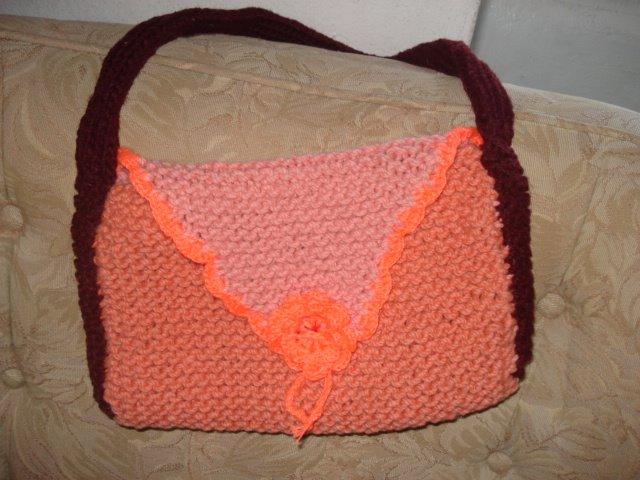 Mala feita com lã