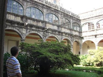 Patio del Colegio de San Jerónimo, o Rectorado