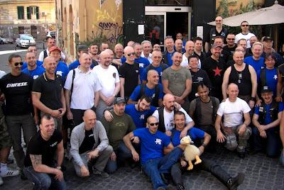 Foto de grupo con participantes en el AGM de Roma
