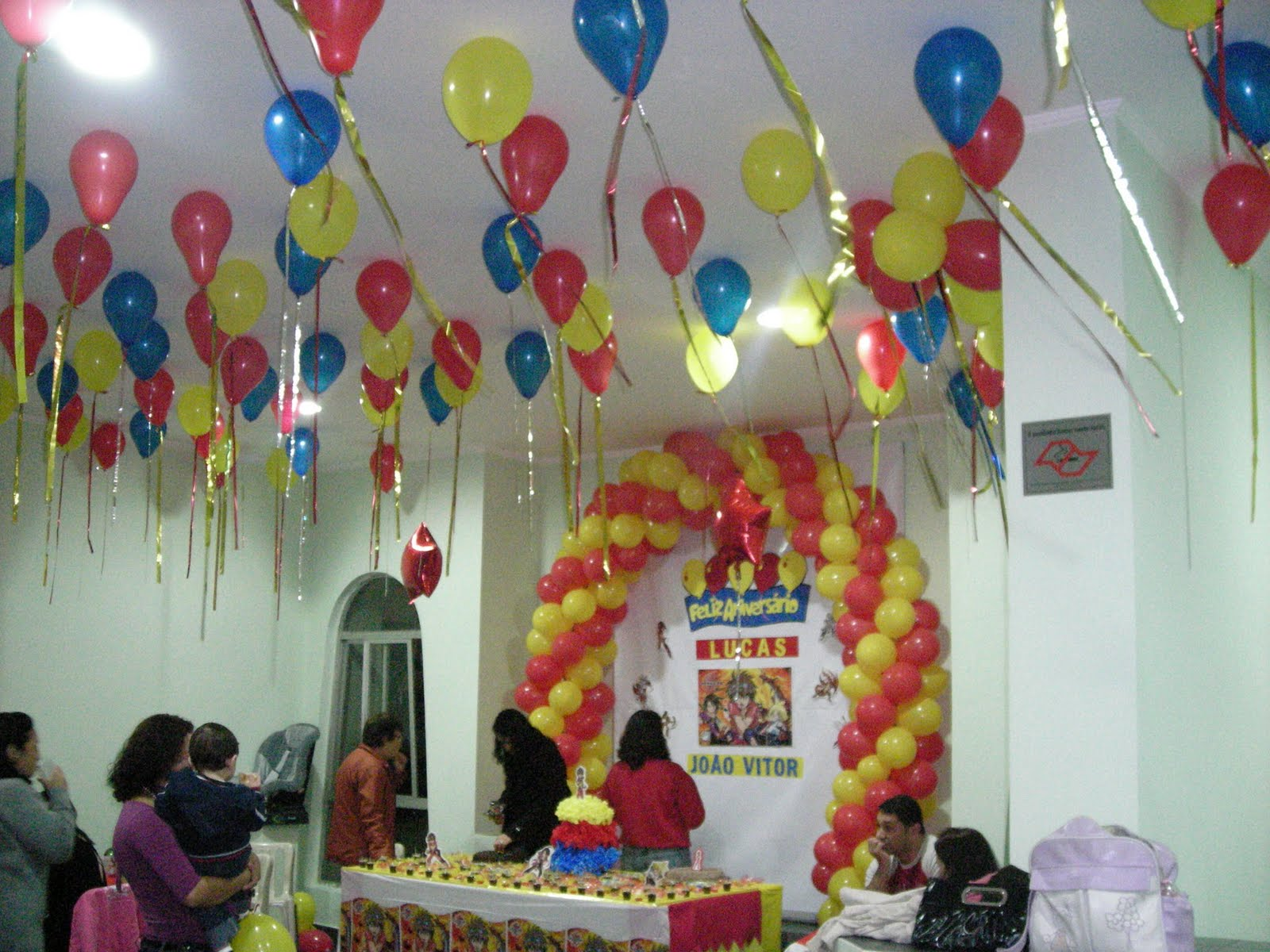TUTI BAL u00d5ES Decoraç u00e3o com balões no teto um toque especial a festa  -> Decoração De Festa Com Balões No Teto