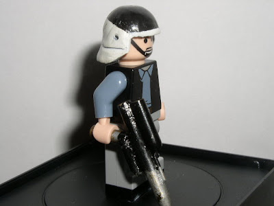 Custom LEGO Star Wars Rebel Commander - side view