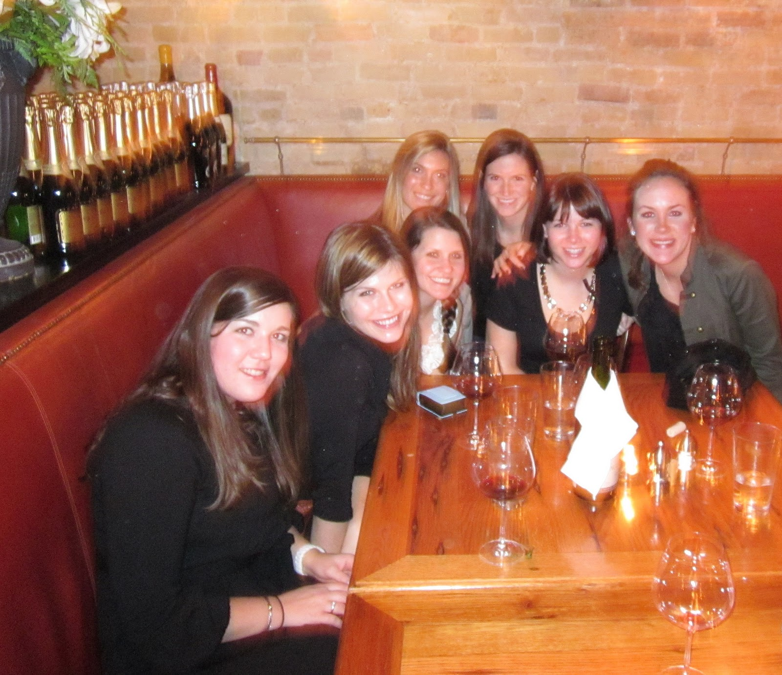 http://2.bp.blogspot.com/_QJ0JBBO5-08/TR9FyHCp-WI/AAAAAAAABgQ/-nAgaU7216k/s1600/bess+bistro+sandra+bullocks+restaurant.jpg