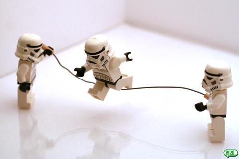 petit saut la corde stormtrooper au bureau et ailleurs. Black Bedroom Furniture Sets. Home Design Ideas
