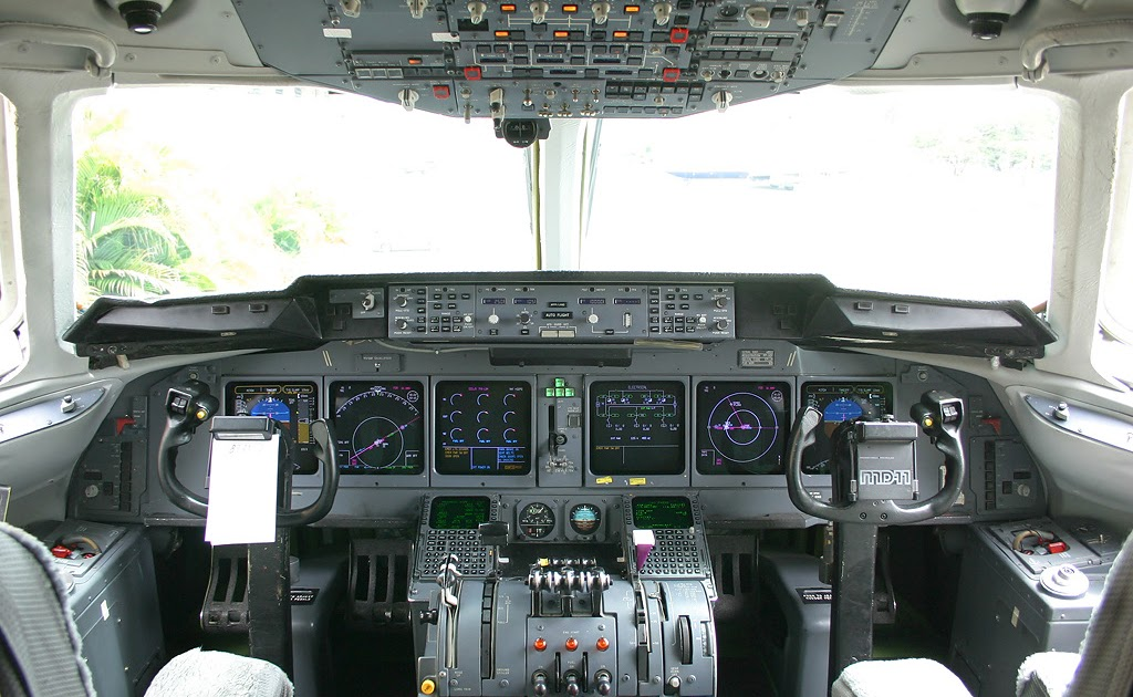 Avi es comerciais e companhias a reas cabine de md 11 da for Cabine rocciose md cabine