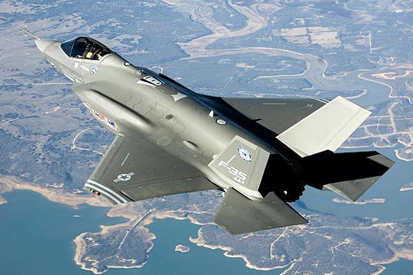 صور طائرات  Lockheed+Martin+F-35+Lightning+II+in+flight