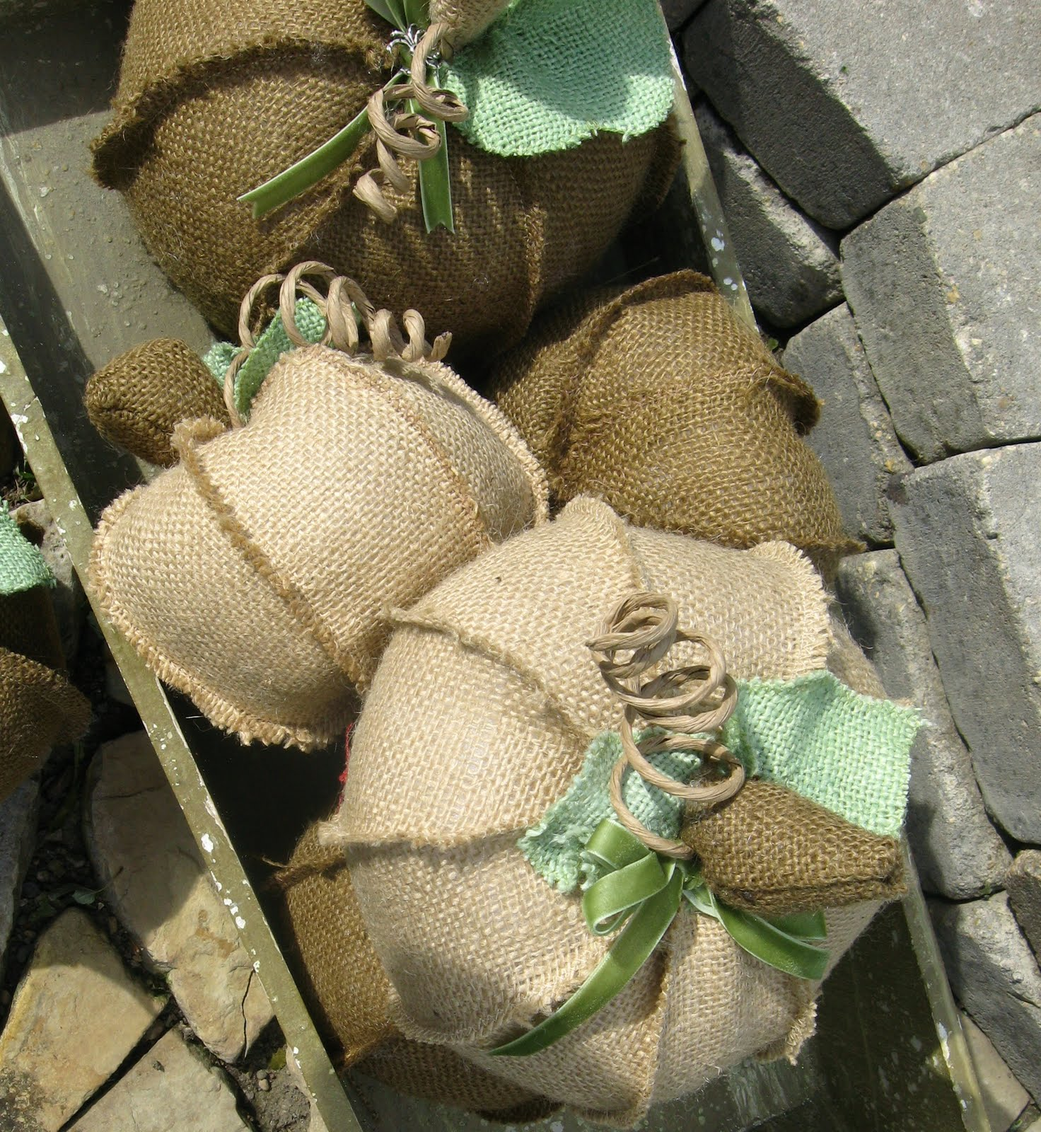Beautiful burlap starfish cottage for Crafts to make with burlap