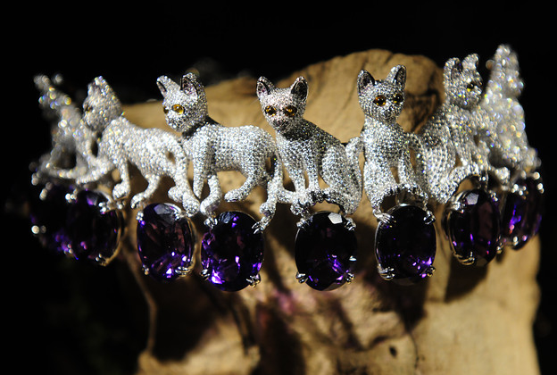 Bhb jewelry biz chopard 39 s new collection at the frick for Chopard animal world jewelry collection