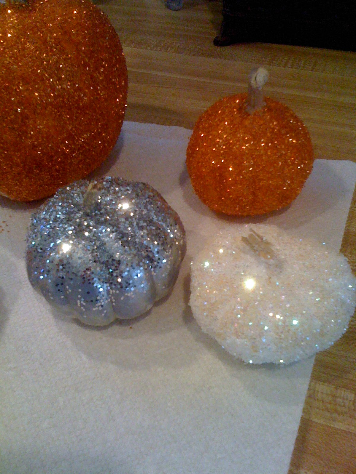 White glitter spray paint -  To Take A White Pumpkin And Paint It Silver Then Sprinkle The Silver Glitter Over The Wet Paint And Once It Has Dried Seal It With Clear Spray Paint