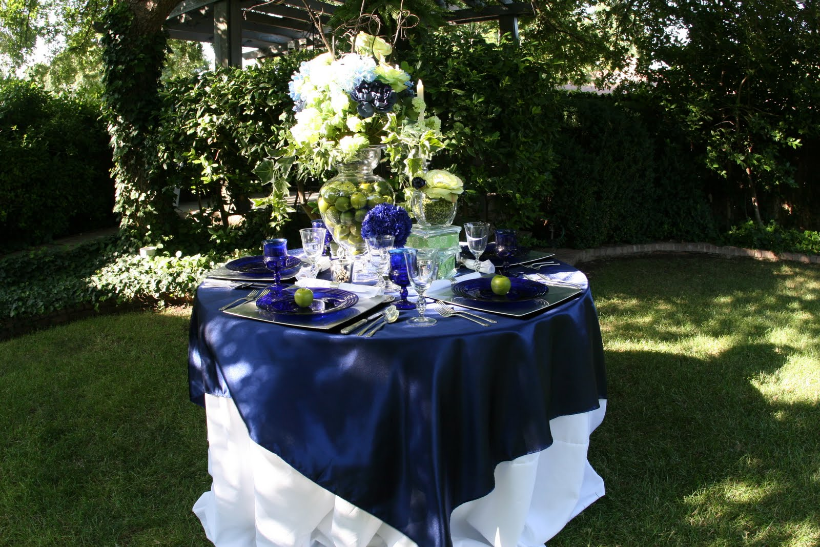 happily ever after by jitters design team backyard tablescapes
