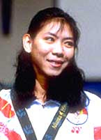Susi Susanti, dropped her tears after won the gold medal in Olympic ...