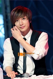 Super Junior Lee </p> <p>Teuk