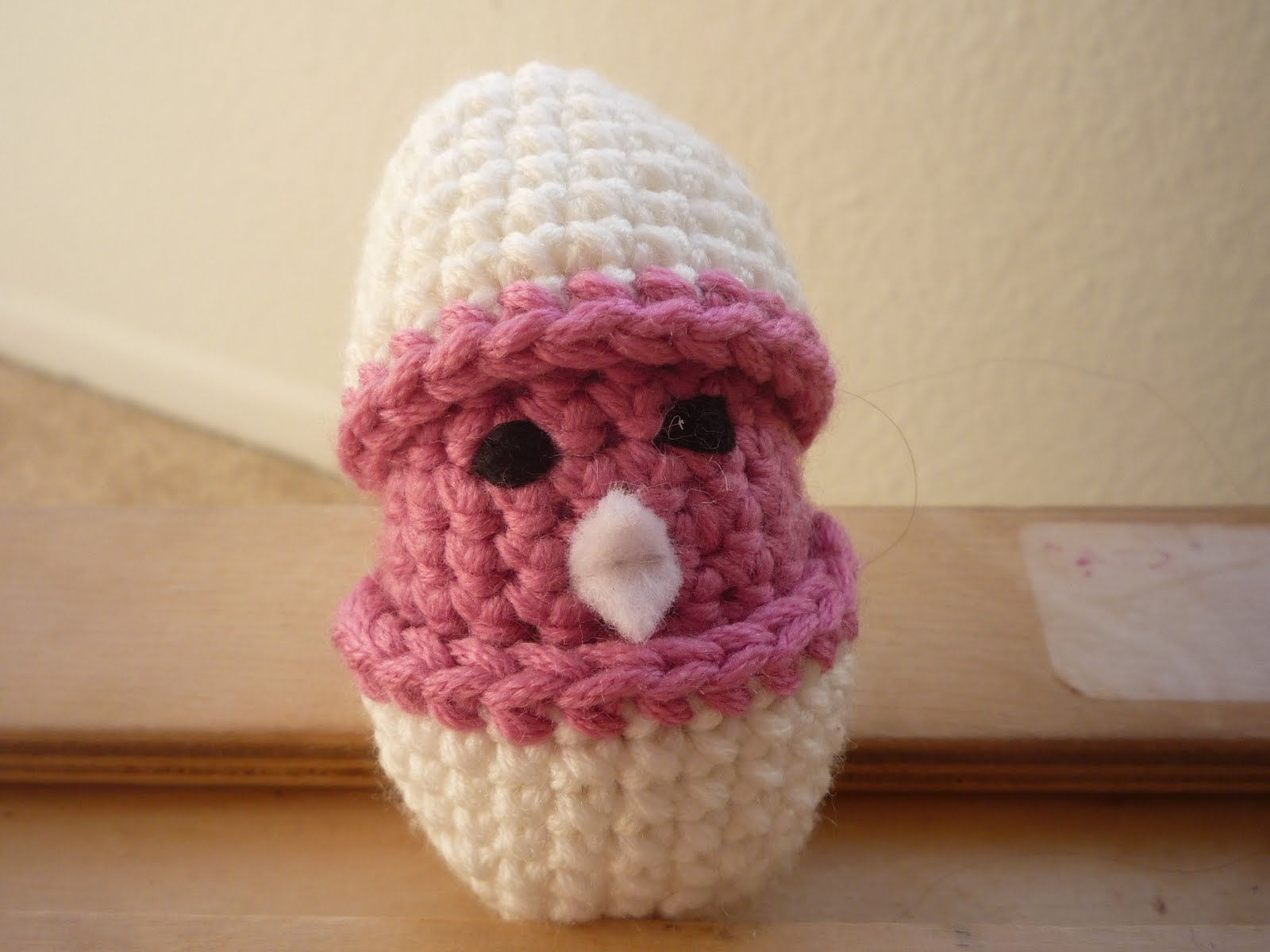 Free Crochet Pattern Easter Chick : Red Hot Fibers: Baby chicks in Eggshell crochet Pattern