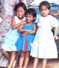 my cute moment wit sis n cousin...;P