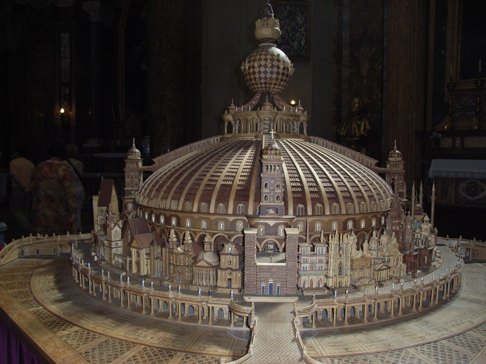 EL TEMPLO DE LA FUTURA RELIGIÓN MUNDIAL SATANICA DE LOS JESUITAS! Italia-Andrea%2B080