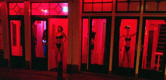 http://2.bp.blogspot.com/_QRDRcDRxkJk/TFrDyRI49TI/AAAAAAAAAJ8/_7nZW4SyxF8/s1600/amsterdam-red-light-district.jpg