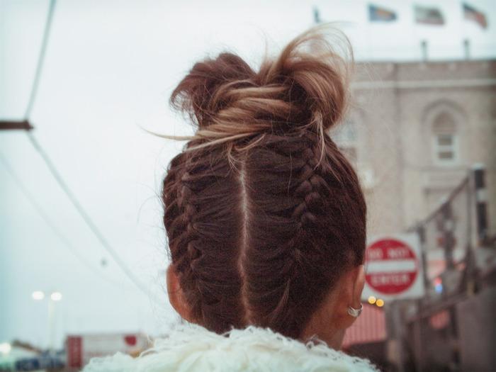 Прически косички для девушек для средних волос