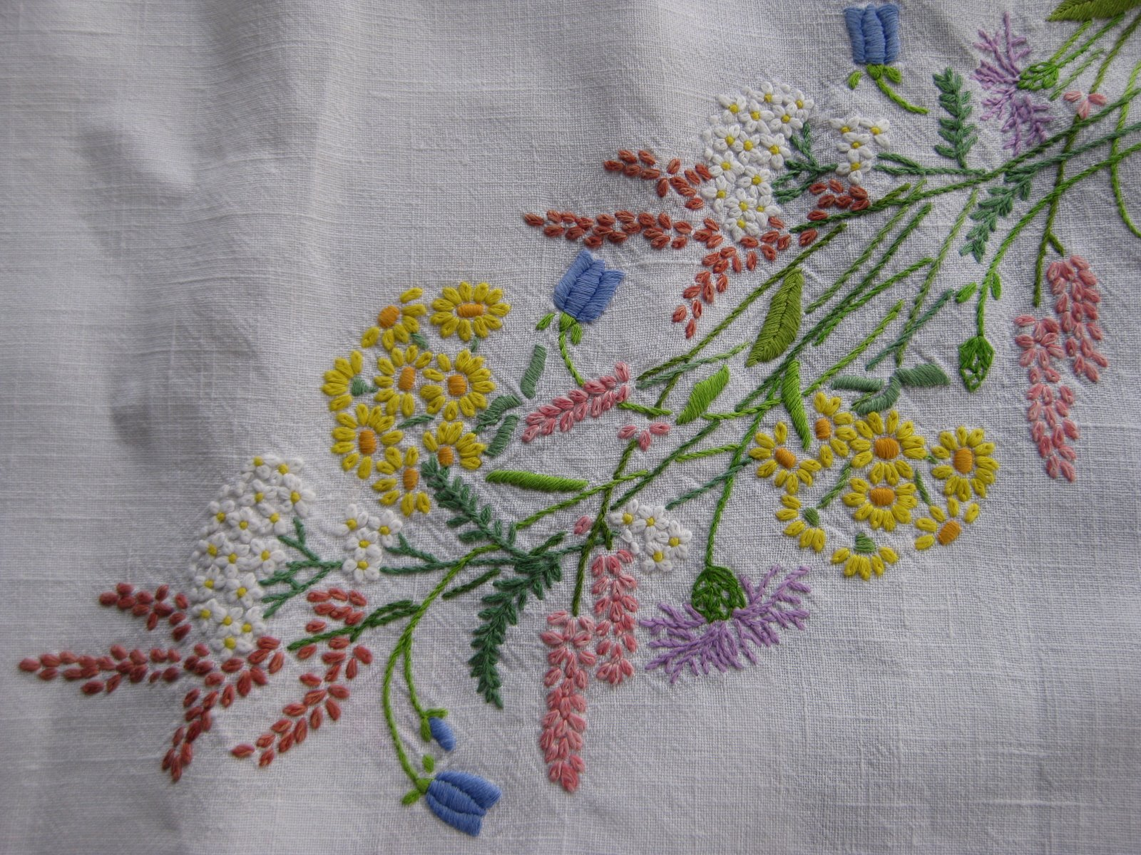 Tanglewood threads another embroidered bouquet of flowers