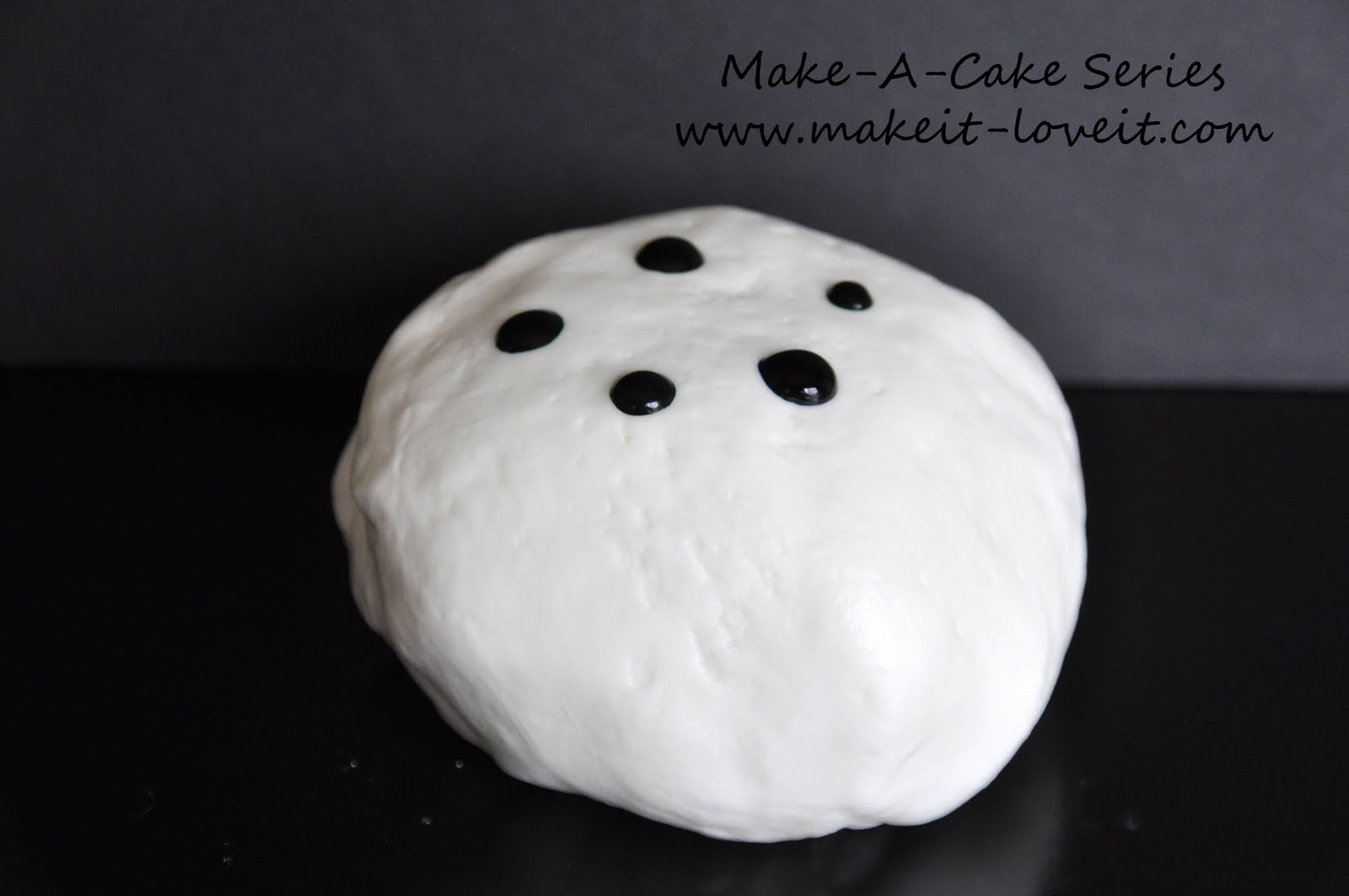 Make-a-Cake Series: Making and Coloring Fondant – Make It and Love It