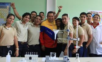 Liceos Bolivarianos deben ser médula y corazón de la Revolución ...