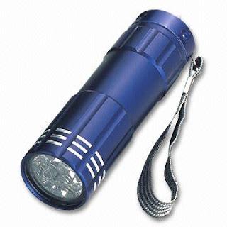 Linternas led iluminacion lamparas luces for Linterna de led potente