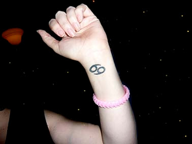 picture of cancer sign tattoo